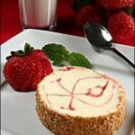 Royal Ice Cream - Strawberry Cheesecake Roll
